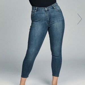 Blue high waisted skinny ankle jeans